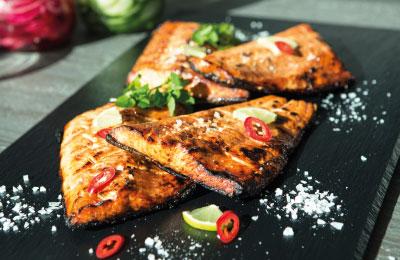 Catering-palvelut, juhlat ja tilaisuudet: lämpimät ruoat