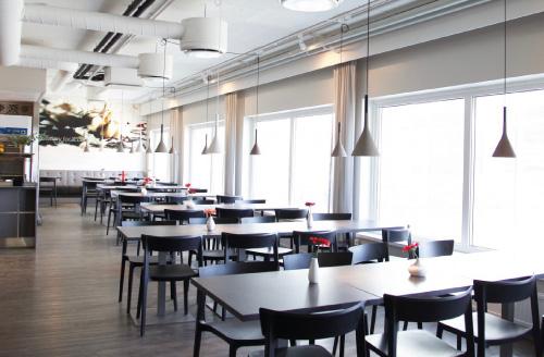 Ninan Keittiö Tampere Lielahti ravintolasali